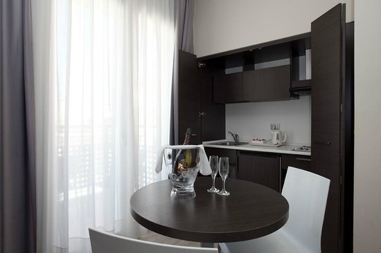 Hotel Vienna: Kitchenette Superior