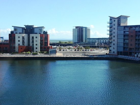 Premier Inn Swansea Waterfront Hotel: View from the room