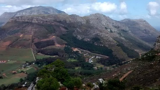 Constantia Valley Lodge: Great access to hiking