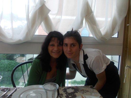 Hotel Consuelo: sympatiquement elle assure le service
