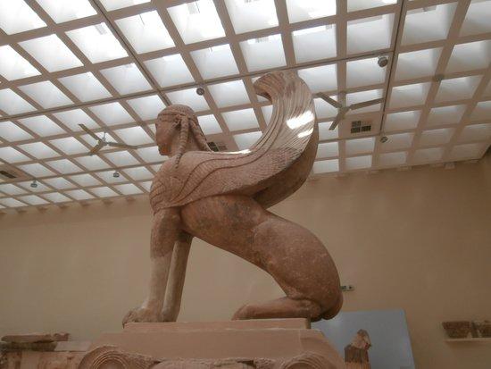 Musée archéologique de Delphes : Sphinx