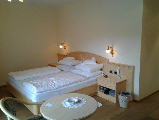 Hotel Cristallo : Letto della camera