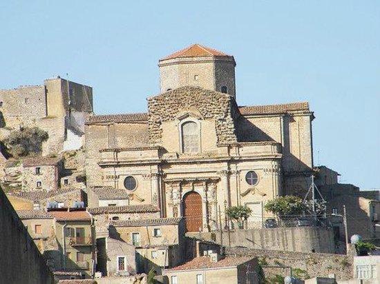 Nicosia, Italie : Basilica di Santa Maria Maggiore