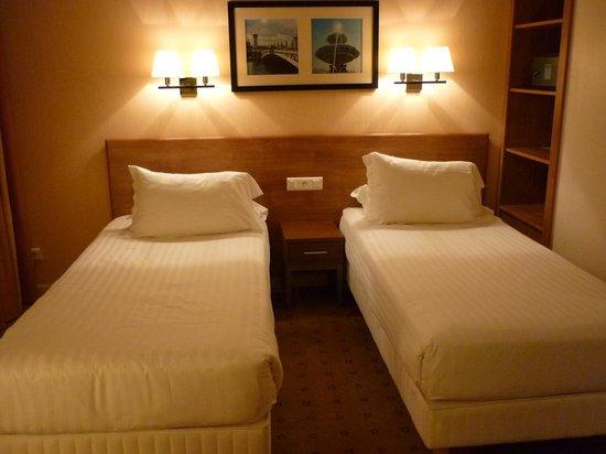Citadines Saint-Germain-des-Pres Paris : bedroom