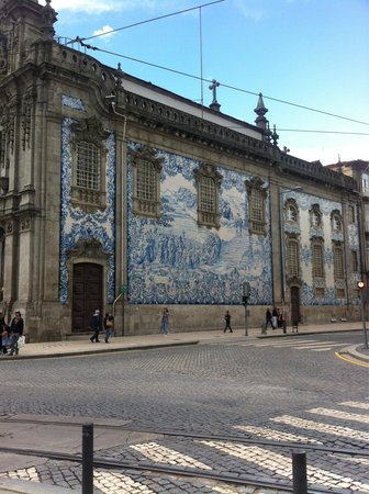 Igreja do Carmo : Outside the Church