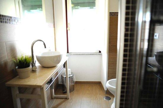 Pigneto Luxury Rooms : bathroom