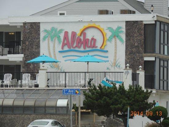 Aloha Oceanfront Motel: Ocean view deck,  sit back and enjoy the ocean