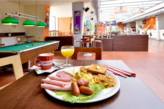PLUS Prague: Breakfast