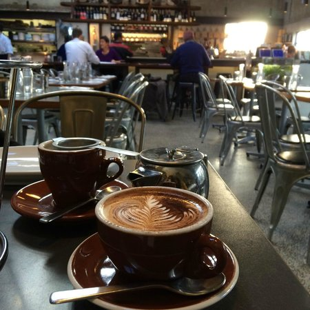 Leura Garage: Cappucino and tea