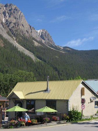 The Siding Cafe: View of the Cafe