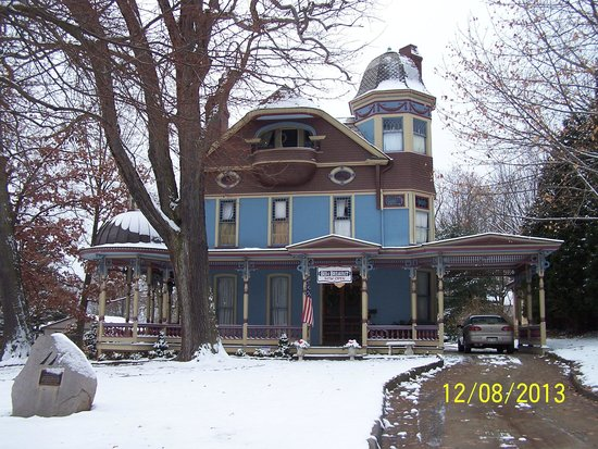 Charles Nelson Schmick House B&B