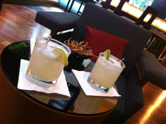 Mexico City Marriott Reforma Hotel: Drink at the bar