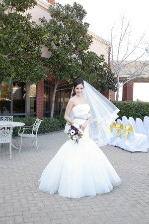 Hilton Garden Inn Dallas/Allen: Weddings on our garden patio