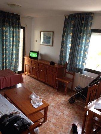 Hotel Villamarina Club 2 Bedroomed Apartment Livingroom