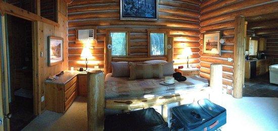 Triple Creek Ranch : Big Sky Cabin