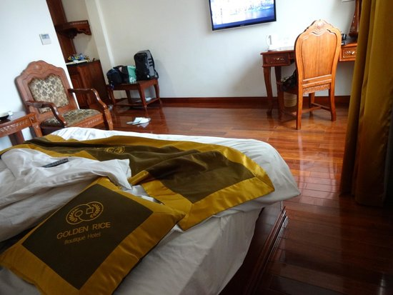 Golden Rice Hotel Hanoi: 充分広い部屋