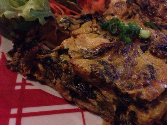 Restaurant L'Art Caddy : Tarte du jour : poulet curry salade cuisinée = divine