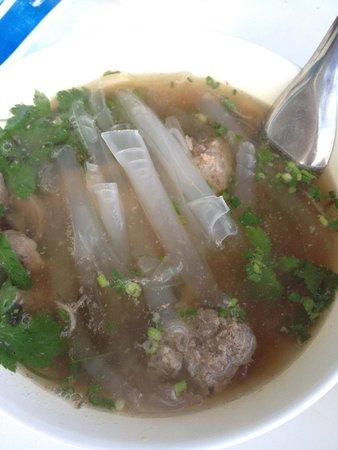 Baan Jaru : Local breakfast with noodles
