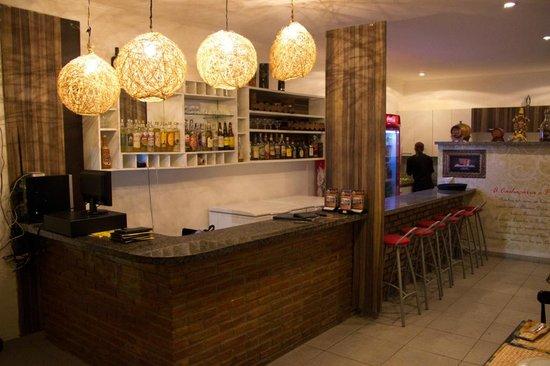 Cachacaria e Restaurante Altemar Dutra