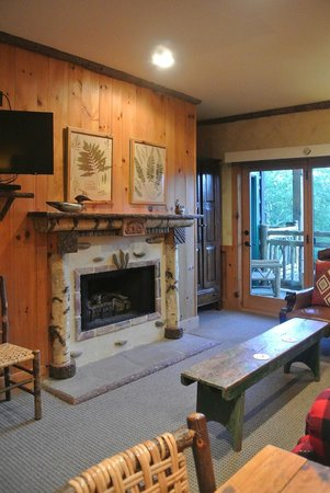 The Lodge at Buckberry Creek - TEMPORARILY CLOSED: Cozy, comfortable rooms and suites