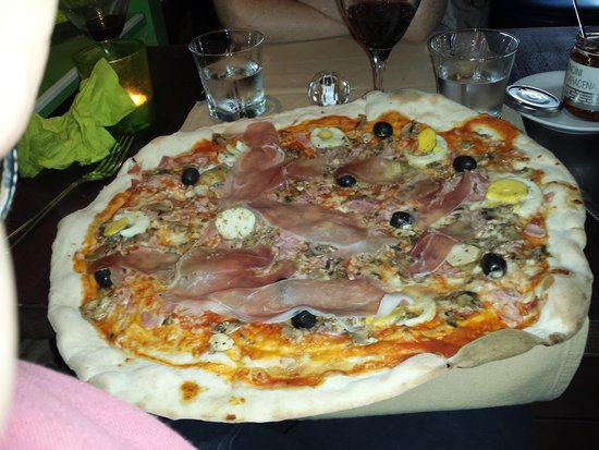 That's Amore: Amazing Pizza