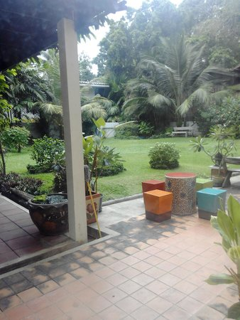 เพ็ญภาค เพลส: jardin