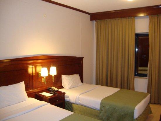 Admiral Plaza Hotel : Room