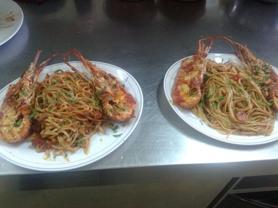 Linguini with lobster