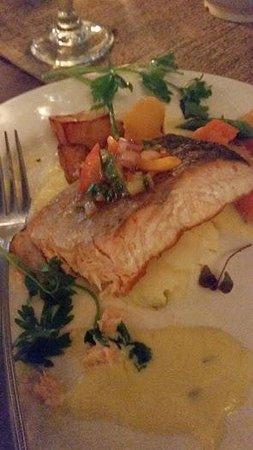 Imperial Hotel: Tasty Salmon