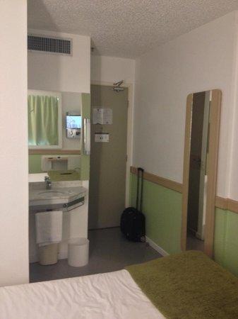 Ibis Budget Sao Paulo Paulista: Apartamento duplo - Banheiro aberto