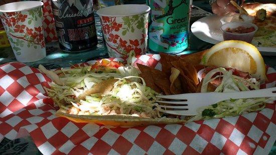 Gill's Lanai: Lobster Tacos