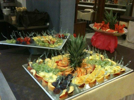 buffet di frutta - Foto di Hotel Belsoggiorno, Cattolica - TripAdvisor