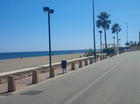 Myramar Fuengirola Hotel: The beach