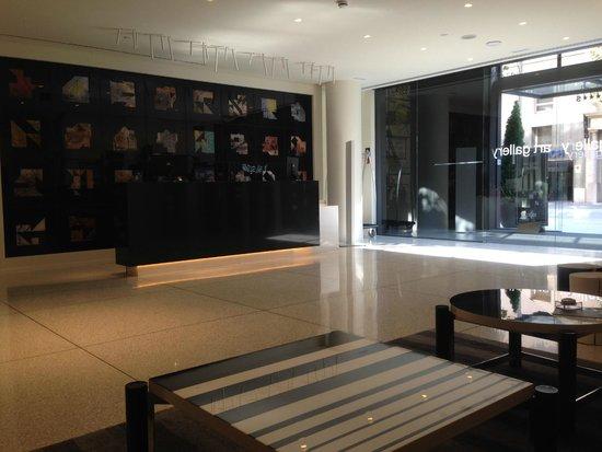 H10 Art Gallery : lobby de diseño