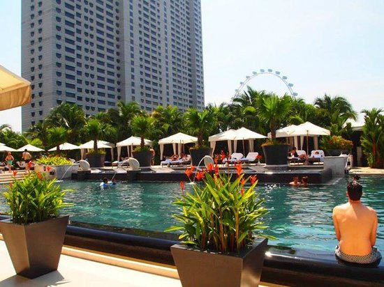 Pool picture of mandarin oriental singapore singapore - Marina mandarin singapore swimming pool ...
