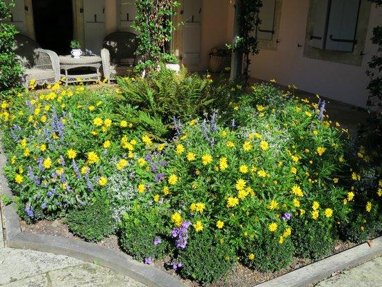 Les Pres d'Eugenie : gardens