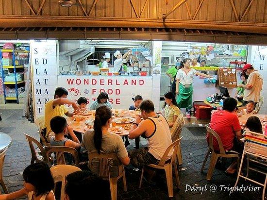 Wonderland Food Store: View of restaurant