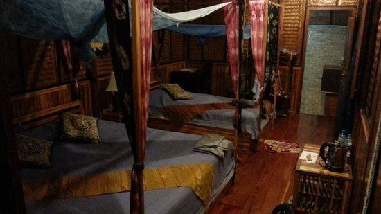 Thongbay Guesthouse: Room facing the river
