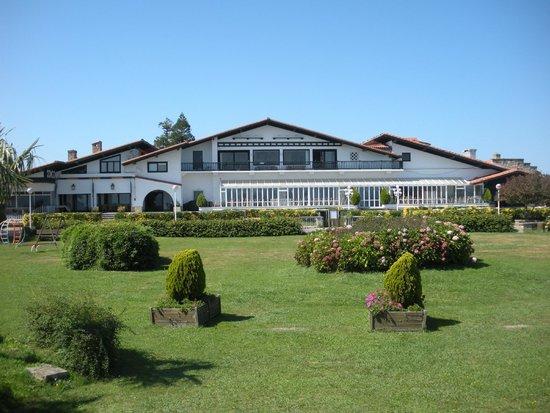 Gudamendi Hotel: Beaux jardins