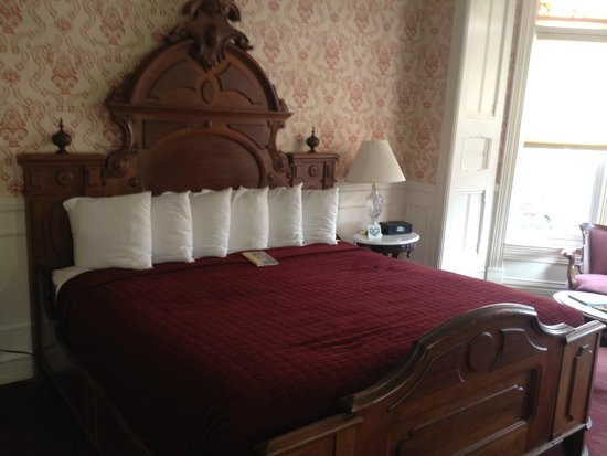 Strater Hotel: Great Bed