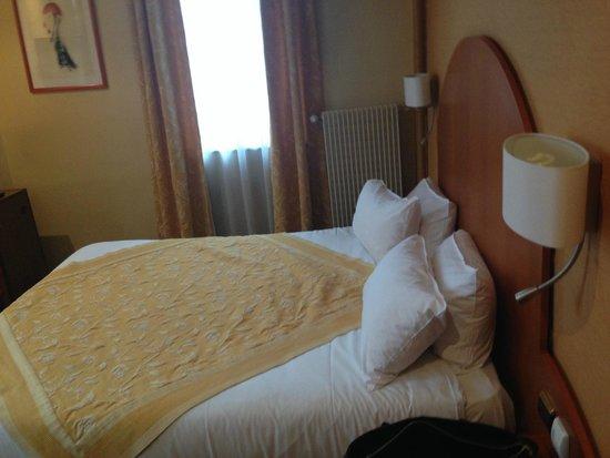 Quality Hotel du Nord Dijon Centre: room