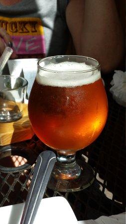 Big Island Brewhaus: Golden Sabbath Ale