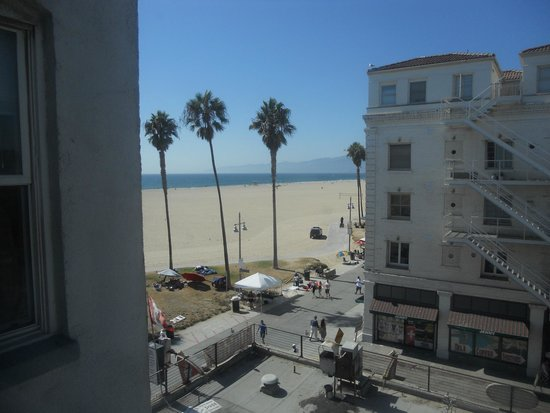 Venice Beach Suites & Hotel: Partial ocean view from room 403