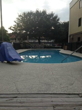 Hampton Inn Amelia Island at Fernandina Beach: Clean pool