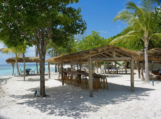 Petit St. Vincent Resort : Favourite restaurant on the beach