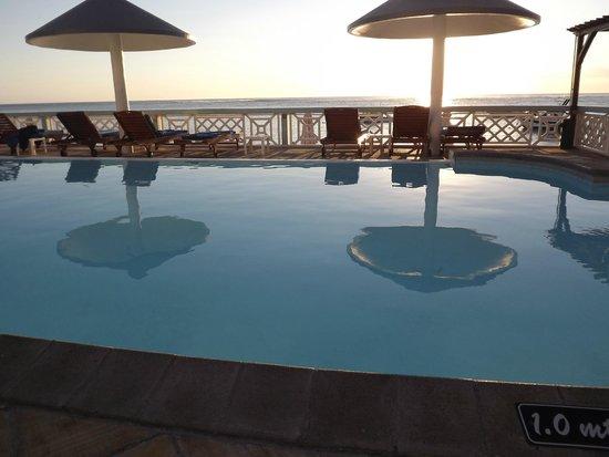 Gold Beach Resort: swimming pool