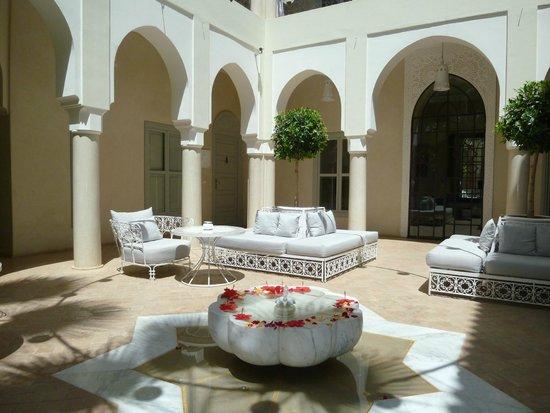 Riad Nashira & Spa : patio