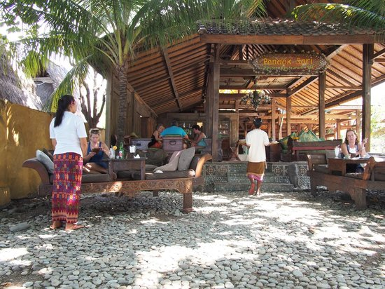 Pondok Sari Beach Bungalow Resort & Spa : hotel restaurant