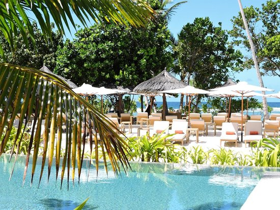 Kempinski Seychelles Resort : Zona de playa/piscina