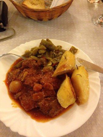 Mantalena: Beef stifado .......... delicious